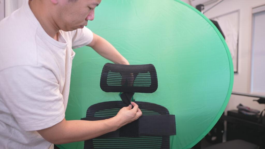 椅子に折り畳みグリーンスクリーン設置